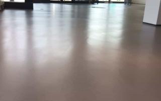 Pas afgewerkte betonlook vloer van Nobello