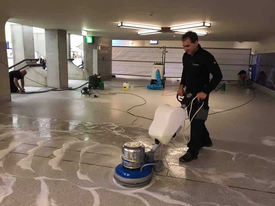 Betonlook vloer onderhoud magazijn