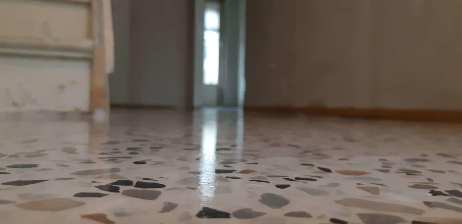Terrazzo vloer glans