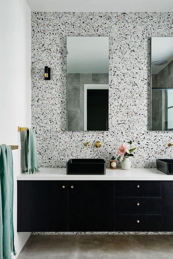 badkamer met terrazzo panelen